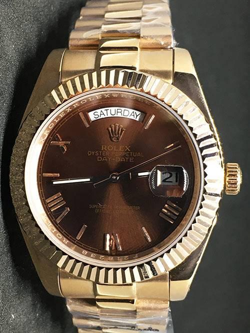 Replica UhrRolex Day-Date 01 (40 mm) 228235 Chocolate Gold Braunes Zifferblatt Oystersteel Edelstahl 316L mit 18 Karat vergoldet Automatikwerk