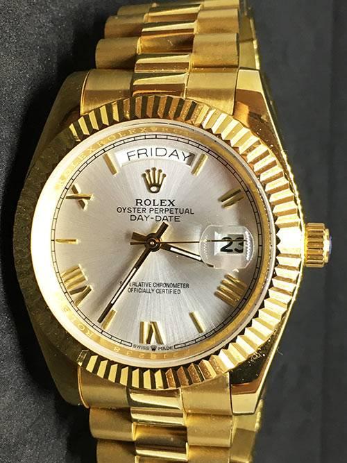 Replica Uhr Rolex Day-Date 19 (40 mm) 228238 Weißes Zifferblatt Gold Oystersteel Edelstahl 316L mit 18 Karat vergoldet Automatikwerk